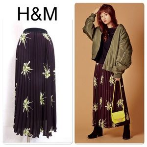 H&M Floral Pleated Maxi Skirt